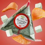 Онигири с семгой и сыром сиртаки Фото