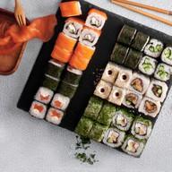Обед самураев на привале Фото