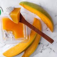 Десерт с семенами чиа и манго Фото