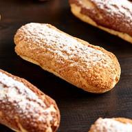 Эклер ореховый Фото