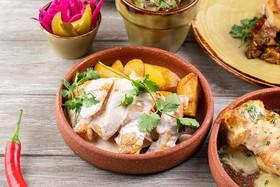 Цыпленок в имбирном соусе с картофелем - Фото