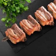 Шашлык из свиных ребрышек с жирком Фото