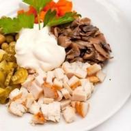 Курица пряная с овощами Фото