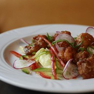 Овощной салат с курочкой криспи Фото