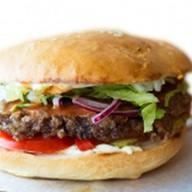 Бургер с говяжьей котлетой Фото