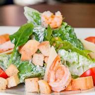 Цезарь с королевскими креветками салат Фото