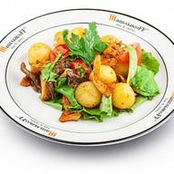 Теплый салат с грибами Фото