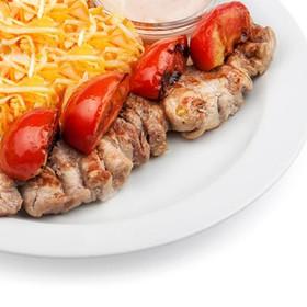 Шашлык из свиной вырезки с томатами лайт - Фото