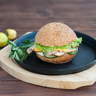 Бургер с цыпленком Фото