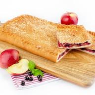 Пирог с яблоками и смородиной (постный) Фото