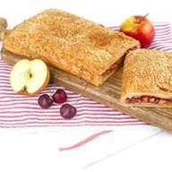 С яблоками и вишней (слоеный) Фото