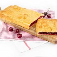 Пирог с вишней (слоеный) Фото