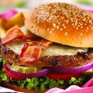 Биф бургер с беконом Фото