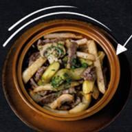 Картофель жареный с мраморной говядиной Фото