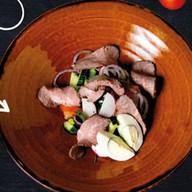 Салат овощной с ростбифом Фото