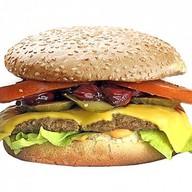 Шефбургер с вишневым соусом Фото
