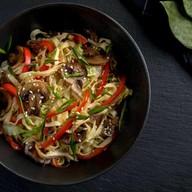 Лапша яичная с овощами (острая) Фото