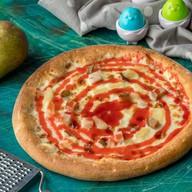 Детская пицца с грушей и ананасами Фото