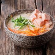 Сливочный суп с лососем Фото