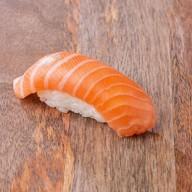 Суши с лососем Фото