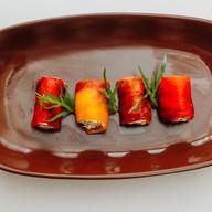 Рулетики из перца с сырной начинкой Фото