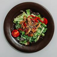 Салат с индейкой и овощами Фото