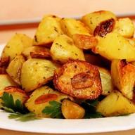 Отварной картофель обжаренный на масле Фото