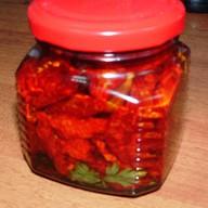 Вяленые помидоры в масле с базиликом Фото