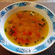 Гороховый с копченостями суп Фото