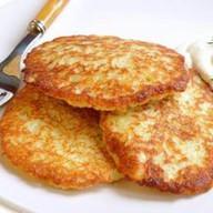 Драники с сыром и сметаной Фото