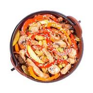 Удон со свининой в соусе манго-чили Фото