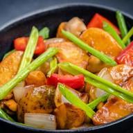 Картофель с овощами Фото