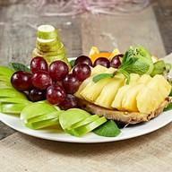Ваза сезонных фруктов Фото