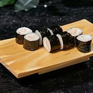 Ролл с креветкой и сливочным сыром Фото