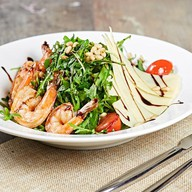 Салат из рукколы с креветками Фото