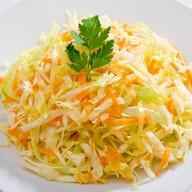 Салат из свежей капусты Фото
