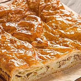 Пирог с горбушей и рисом (слоеный) - Фото
