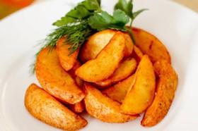 Картофель фри дольки с соусом - Фото