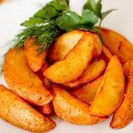 Картофель фри дольки с соусом Фото