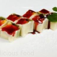 Десертный ролл с киви и манго Фото