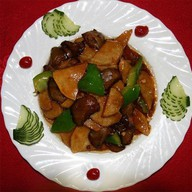 Говядина с картофелем в соусе Фото