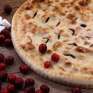 Осетинский пирог с грушей и вишней Фото