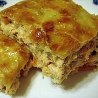Пирог слоеный с капустой и курицей Фото