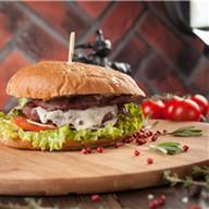Бургер мясника Фото