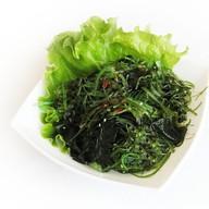 Чукка салат с водорослями вакамэ Фото
