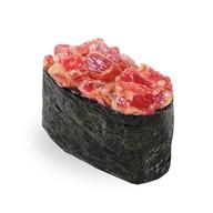 Гункан с тунцом в спайси соусе Фото