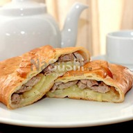 Пирог со свининой Фото