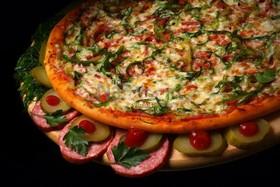 Пицца с огурчиками - Фото