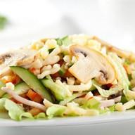 Салат с курицей и грибами Фото