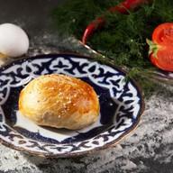 Самса с говядиной и овощами Фото